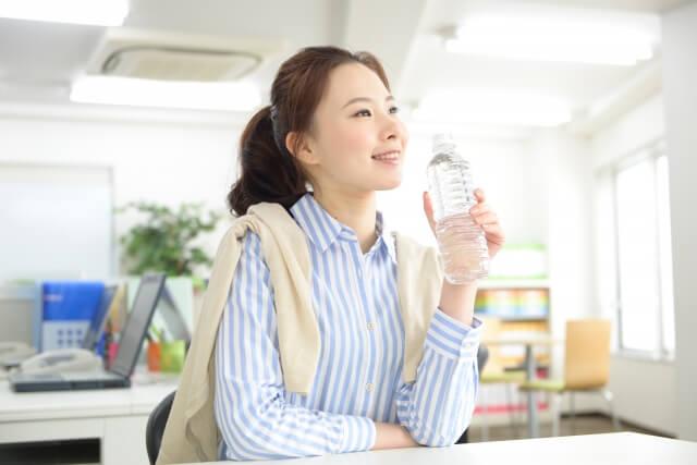 一日に必要な水分量は?カラダの60%は水でできている。
